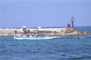 boat in jaffa port image